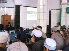 Islamic State group sympathisers gave an address to Jakarta's As-Syuhada mosque in Jakarta in February last year.
